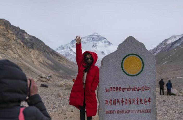 珠峰进入旅游旺季