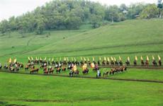 第八届宝鸡市文化旅游节暨关山草原全国摄影展开幕