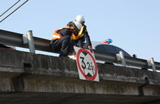 陕西拟禁止利用公路桥梁进行牵拉吊装等施工作业