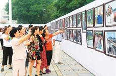 传承红色基因做红色传人 马忠义摄影展在富平举行
