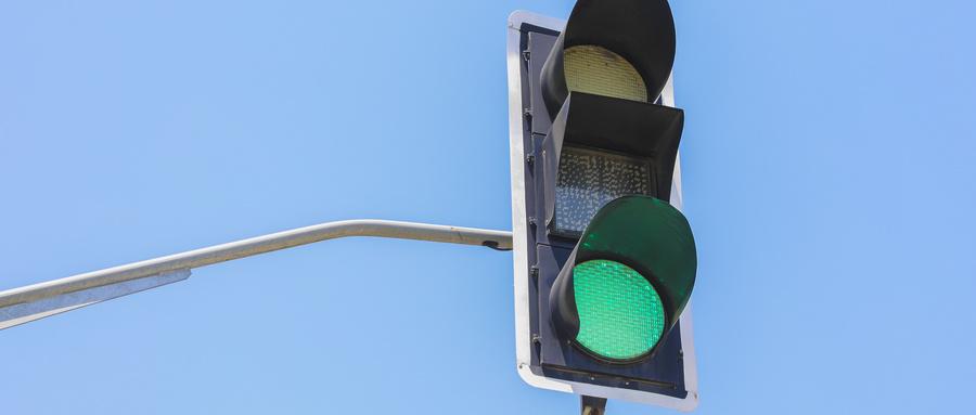 青岛市区75处学校门前信号灯7月8日起关闭