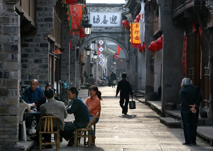 唐宋神韵犹存,明清风骨仍在,今朝魅力更甚,它是活了千年的传奇︱一条紫阳古街的临海城市印记