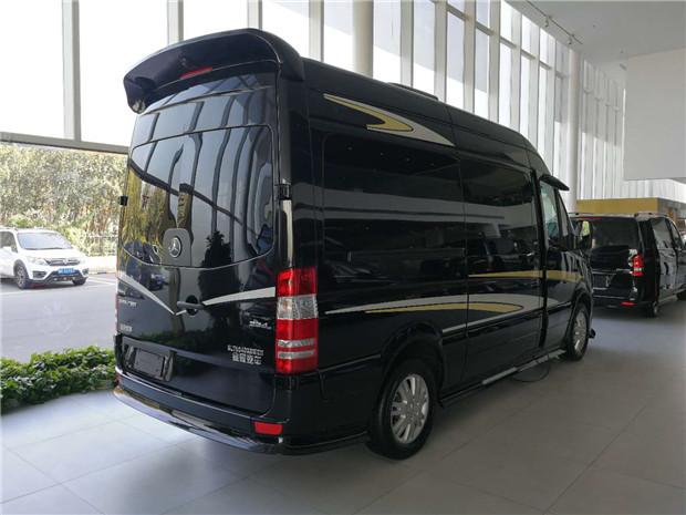 奔驰斯宾特总裁咖钻版9座商务车北京现车