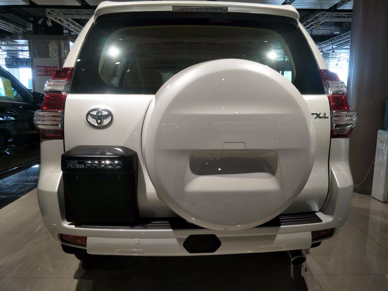 17款丰田霸道2700新车到港价格优惠,中东版普拉多2.