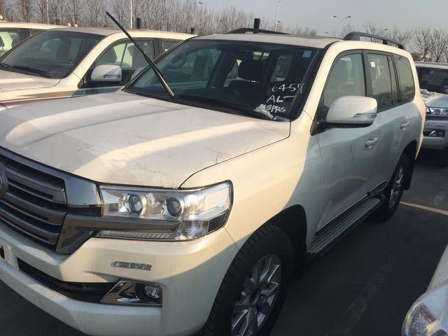 新款丰田酷路泽中东版4.0l天津自贸区批发价走起