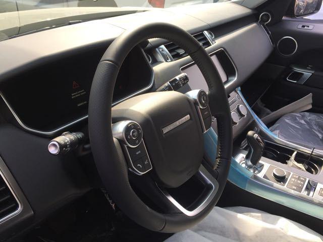 2017款路虎揽胜运动版主,副驾驶座安全气囊,安全气帘,超高刚性a柱设计