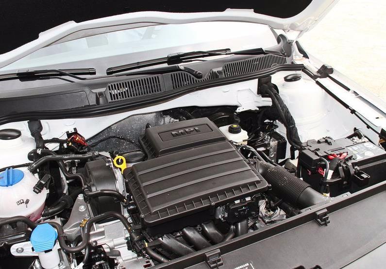 4tsi涡轮增压发动机的最大功率为96kw,最大扭矩为220nm,与之匹配的是7