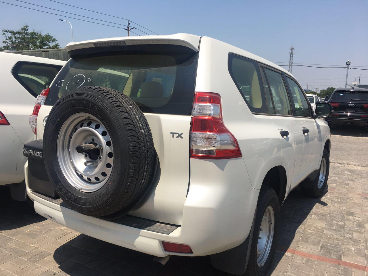 2017款丰田霸道2700丐版 九月裸车出售