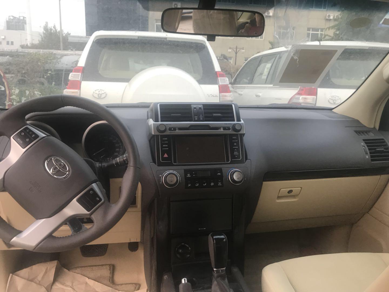 卡塔尔版 丰田普拉多霸道2700 天津港