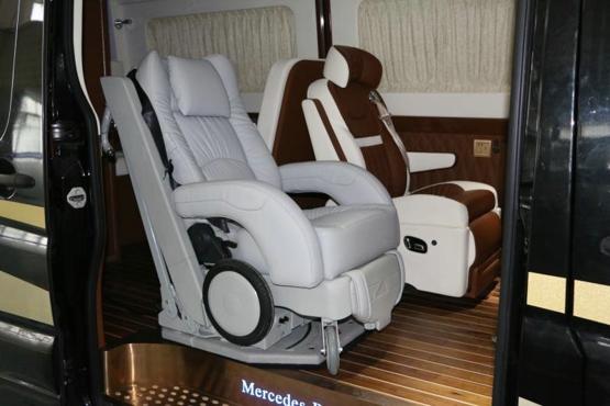 奔驰商务车改装福祉车,福祉座椅多少钱
