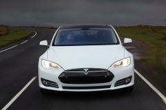特斯拉全线投产无人驾驶汽车 颤抖吧!