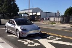 特斯拉Model 3测试谍照曝光 预计七月量产