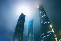 吉利再度牵手向上马拉松 首站挑战上海100楼