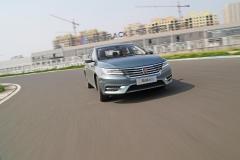 赛道争霸 荣威i6挑战合资品牌10万级家轿