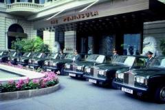 酒店接待用14台劳斯莱斯 司机出国培训