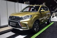 2017上海车展:陆风新SUV X2正式亮相