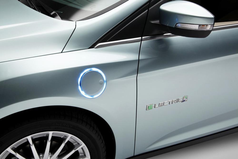 福特要出平民化电动车 续航不比特斯拉差