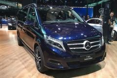奔驰V260L臻藏版6月3日上市 增宝石蓝配色