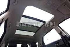 东风风光S560最新谍照 将配全景天窗