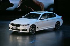 2017中国汽车盛典年度车:全新BMW 5系