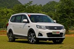 试驾东风风行景逸X6 舒适派全能7座SUV