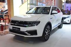 2017成都车展:众泰大迈X7 8AT亮相