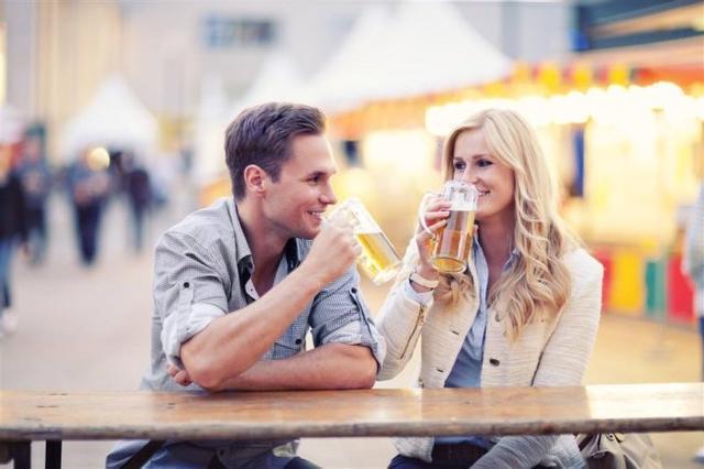 车主快看!喝一瓶啤酒到底多久后才能开车?