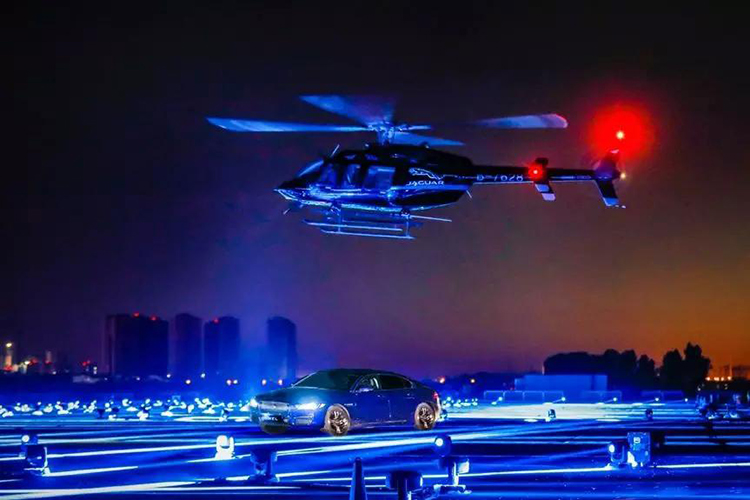 一言不合就PK直升机?全新捷豹XEL是否撩到了你…