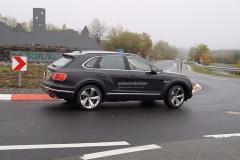 宾利添越插电式混合动力车型 或9月正式发布