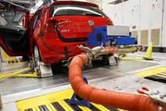 活人实测汽车尾气,大众等德国车企再秀排放下限