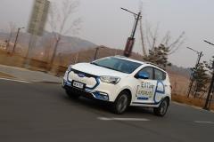 试驾江淮iEV7S 经济实惠电动小型SUV