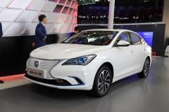 2018北京车展:长安全新逸动EV正式亮相