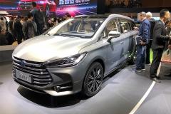 2018北京车展:宋MAX插电式混动版亮相