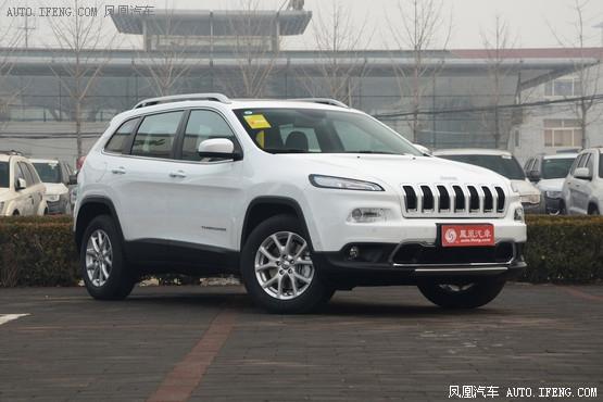 Jeep自由光最高优惠1.6万元 店内有现车