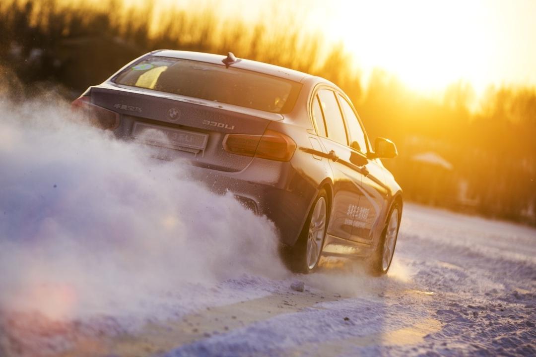 BMW北区冰雪驾控大师