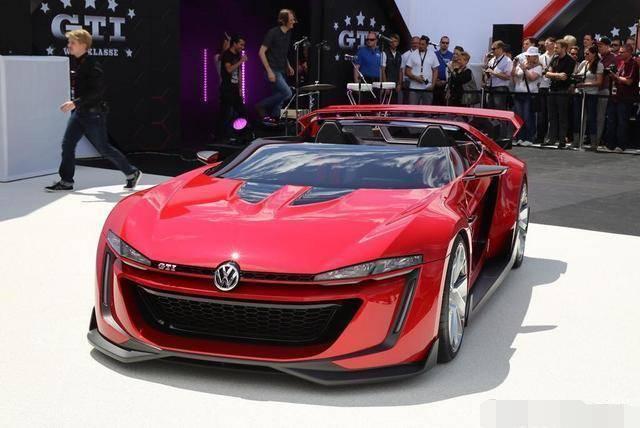 大众GTI敞篷跑车首曝光,外观帅到没朋友,百公里加速3.6秒!