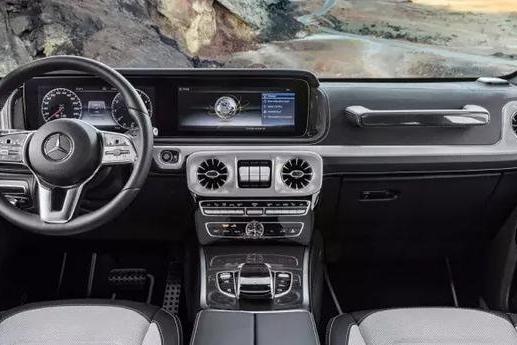 双12.3英寸屏幕+怀挡,奔驰全新 G-Class 内饰豪华的让人词穷
