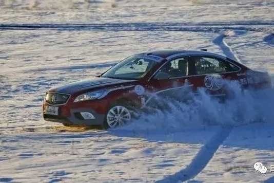 """担心电动车过冬?CCPC零下四十度的赛道把""""恐寒症""""抛在脑后"""