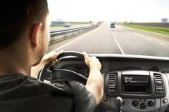 汽车这么开,不仅坏的快还容易出危险,最后一条必须改