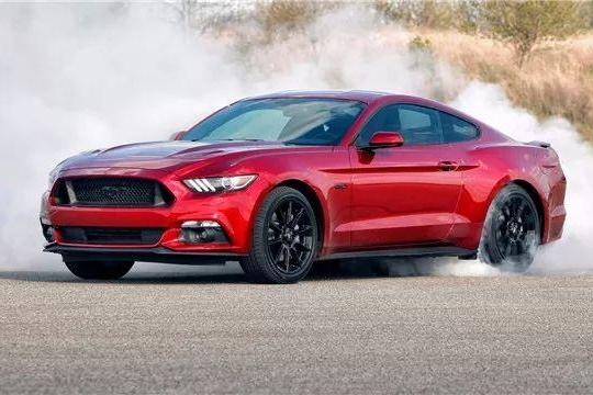 """""""阉割马""""算什么?福特Mustang都要推出""""插电马""""!"""