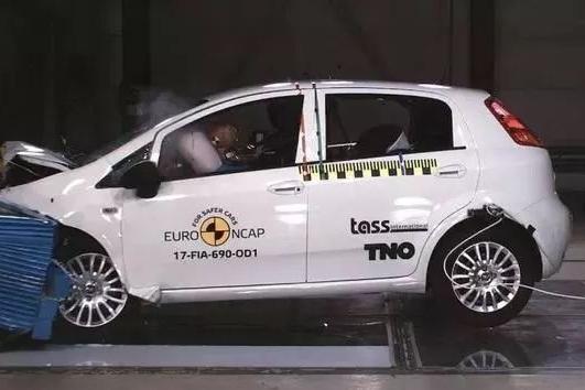 欧洲NACP今年最后一轮碰撞测试成绩公布,史上第一个0星评价出现
