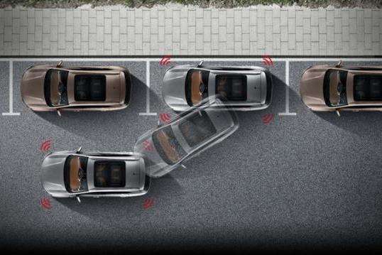 不到10万也有自动泊车,这两台SUV新手也能大胆开上路!