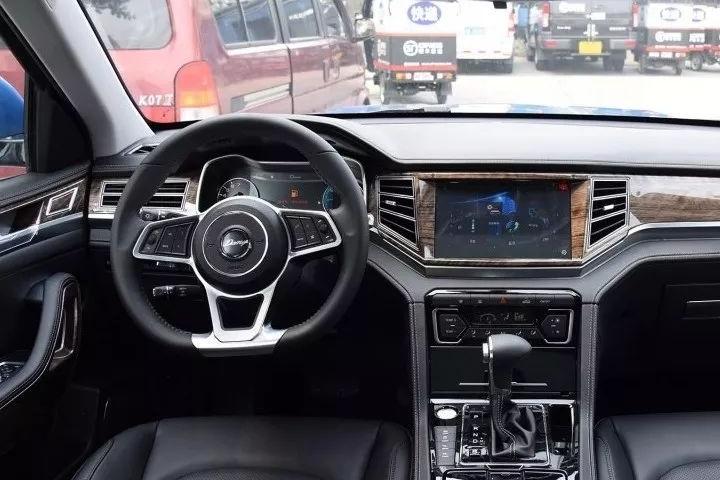 国产SUV买什么?这几款最新上市的车好看,又高性价,最高只要15万!