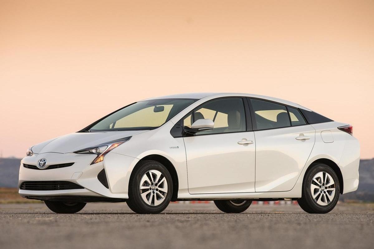 流通行业年会专题——新能源汽车驶向高速发展之路