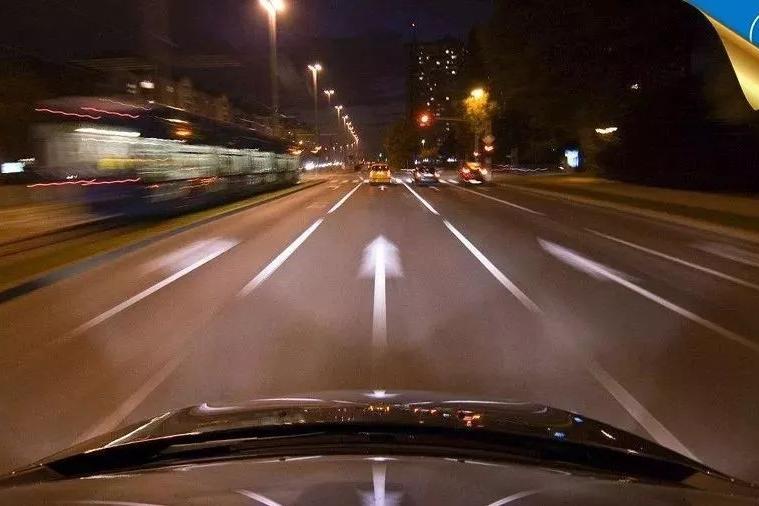 连续开车8个小时是一种怎样的体验?老司机评论太危险了!