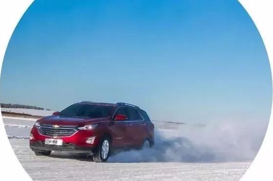 雪地撒欢儿!开着美系SUV在雪面上漂移是什么感觉?