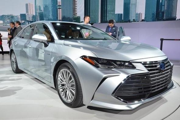 """丰田旗舰版""""凯美瑞""""定位超皇冠,V6发动机,今年即将国产"""