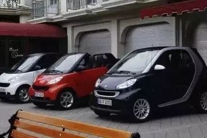 男子一口气买3辆车,一辆拆掉当零件!竟因4S店……