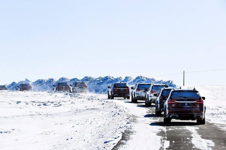 """冲出新能源汽车红海,没点""""手段""""还真不行"""