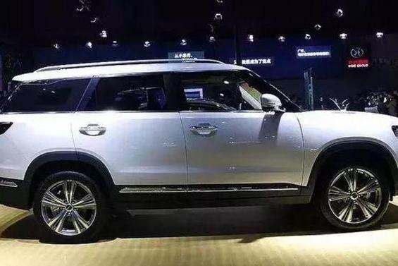 这8万的国产SUV逆天了,路虎的外观,奥迪的名字,特斯拉的内饰